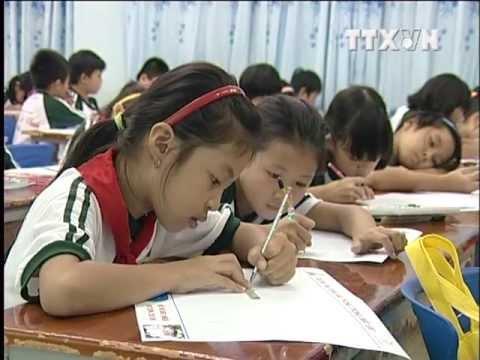 An toàn giao thông trong mắt em - BabyDream  Trường Tiểu Học Lương Thế Vinh