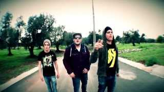 NEVER DOWN - MUSICA SELVAGGIA (STREET VIDEO)