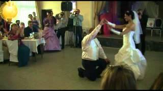 Посольство Божье танец жениха и невесты.