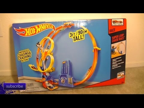 episode 299 review of the hot wheels super loop chase race. Black Bedroom Furniture Sets. Home Design Ideas