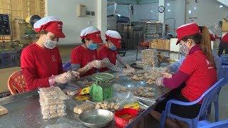 Đà Nẵng: Làng bánh khô mè truyền thống vào vụ Tết