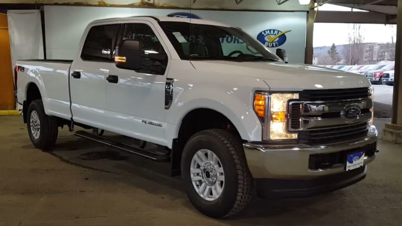 2017 Ford Super Duty F 350 4x4 Crew Cab XLT Review
