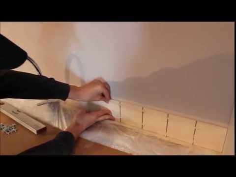 Как приклеить фартук на кухне жидкими гвоздями видео