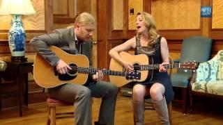 Derek Trucks & Susan Tedeschi - Rollin and Tumblin (Acoustic)
