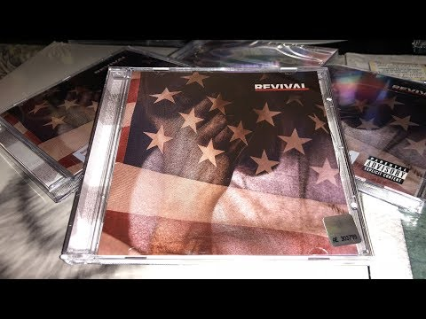 "Unboxing: Eminem's ""Revival"" Russian Version CD [ePro Exclusive]"