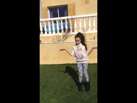 Inès danse