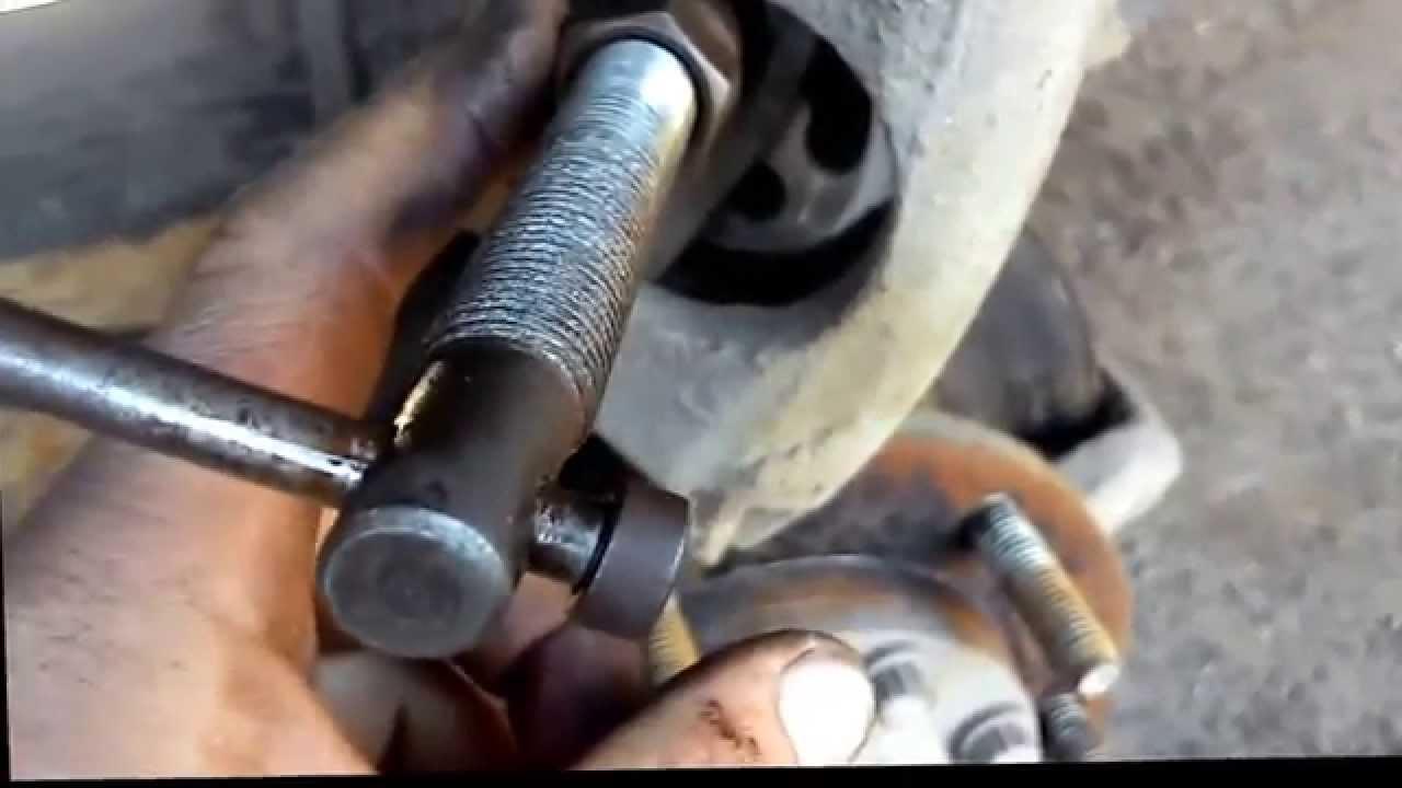 Тормозной диск прикипел к ступице Форд Фокус 2 - YouTube