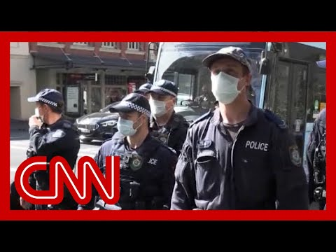 Violent protests against new lockdowns in Australia