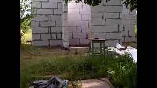видео Как построить летний душ на даче или приусадебном участке