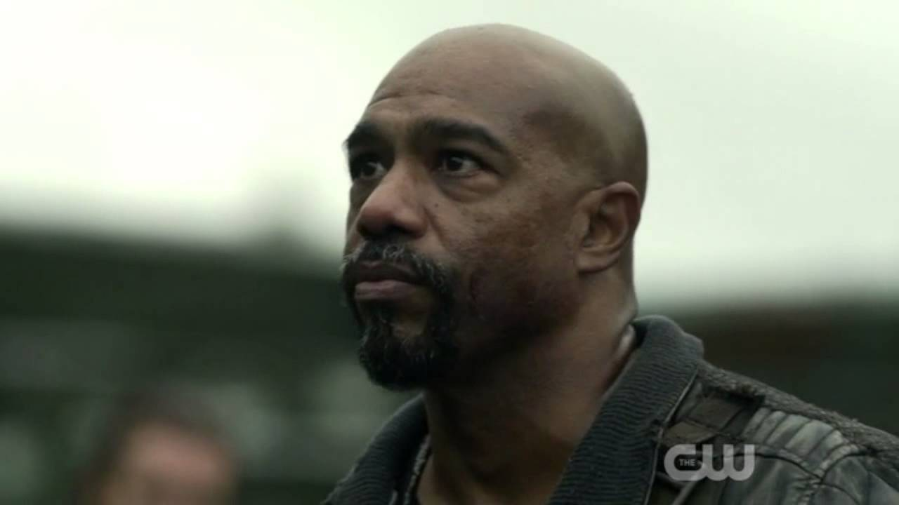 The 100 3x09 Lincoln S Death Youtube