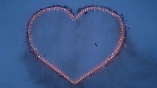 Des skieurs forment un coeur géant pour Thomas Pesquet