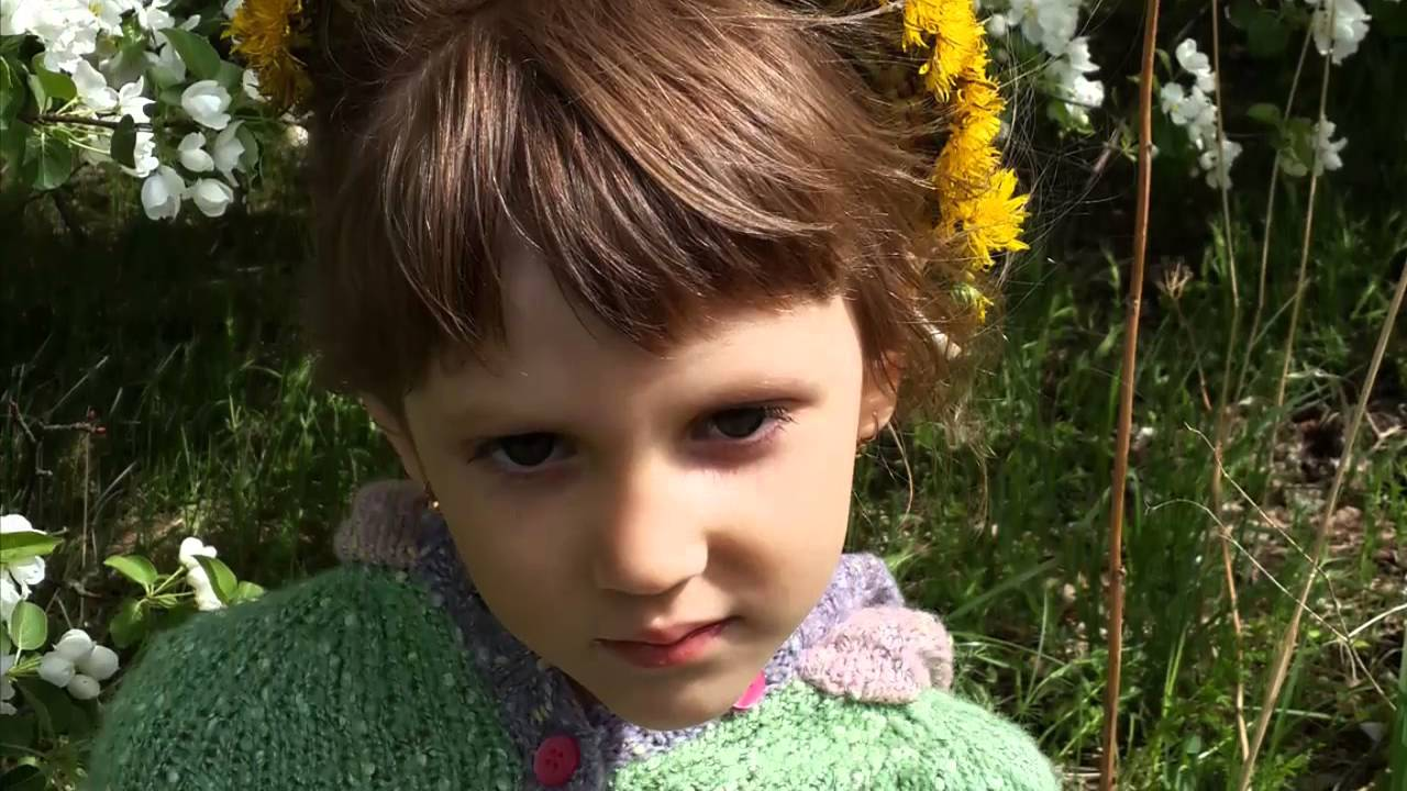 Девушка c цветами. Flower girl. Девушка в цвету. Дарите девушкам цветы.  Максим Лидов.