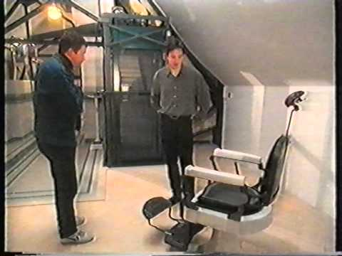 Recoil : Intw with Alan on The Antiques show 1999