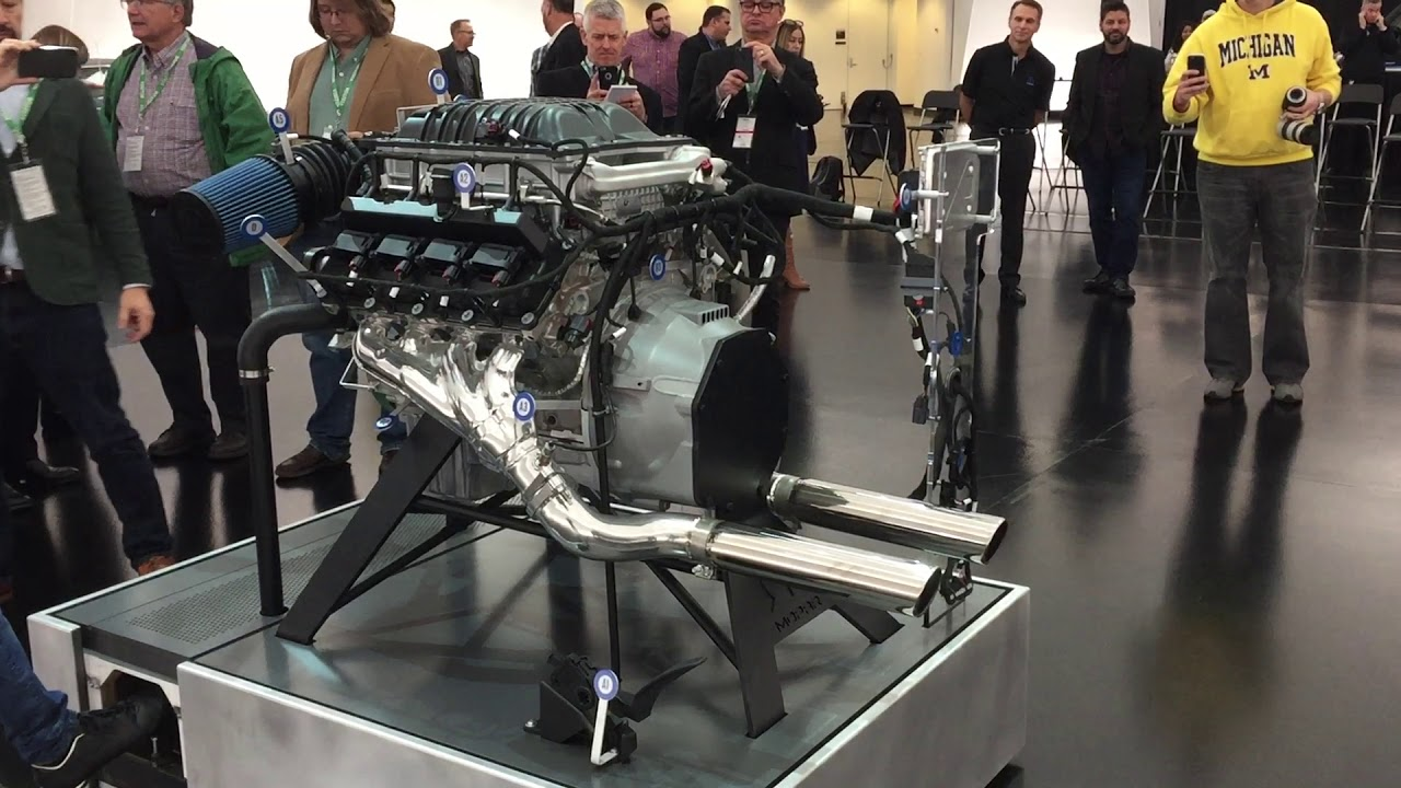 See and Hear Chrysler's 1000-HP Mopar 426 Hemi Crate Engine