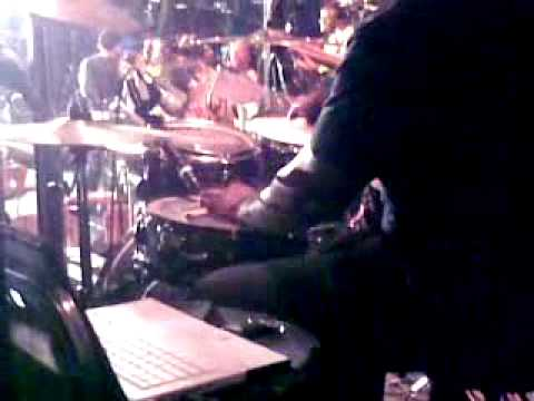 Big Mike Clemmons playing Longlife reprise (Israel Houghton) in Zimbabwe