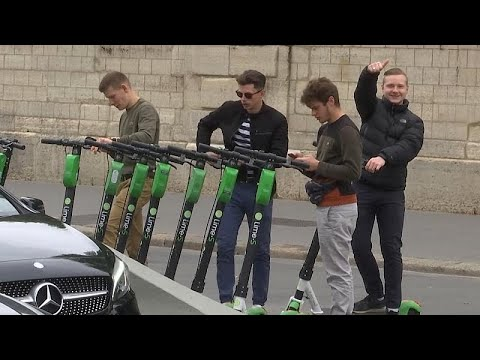 Video | Paris'te elektrikli scooter 'istilasına' belediye savaş açtı