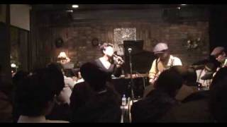 Ruth Brown sings on 「vir」 「5-10-15 hour &daddy daddy」