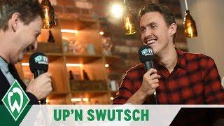 Werder Up'n Swutsch: Max Kruse übers Pokern, Gitarrenkoffer und Martin Harnik | SV WERDER BREMEN