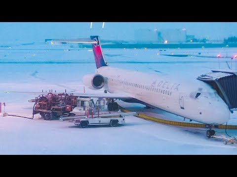 TRIP REPORT | Delta Air Lines Boeing 717 (MAIN CABIN) Calgary to Minneapolis