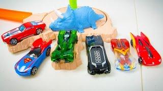 Hot Wheels Justice League 5 Pack Dino Spinout Superman Batman Wonder Woman Flash Green Lantern