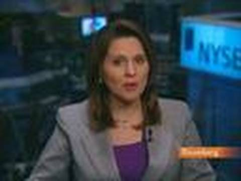 U.S. Stocks Rise as Economic Data Offsets Debt Concern: Video