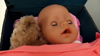 Видео для детей. NEW! ВЕСЕЛАЯ ШКОЛА  #капукикануки: Катя укладывает спать куклу Беби Бон!