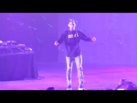 [HD] Chris Brown - DIAMONDS / F*CKING FADED [PARIS BERCY] One Hell of a Night Tour 2016
