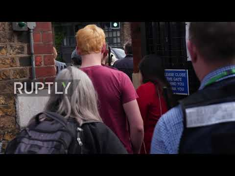 UK: Jeremy Corbyn casts his vote as European elections kick off