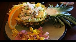 Салат с курицей и ананасами  - как украсить салат и сервировать на праздничный стол