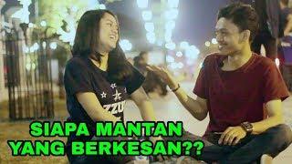 Download lagu Pertanyaan Bikin Baper Bareng Pacar Romantis JRVLOG8 MP3