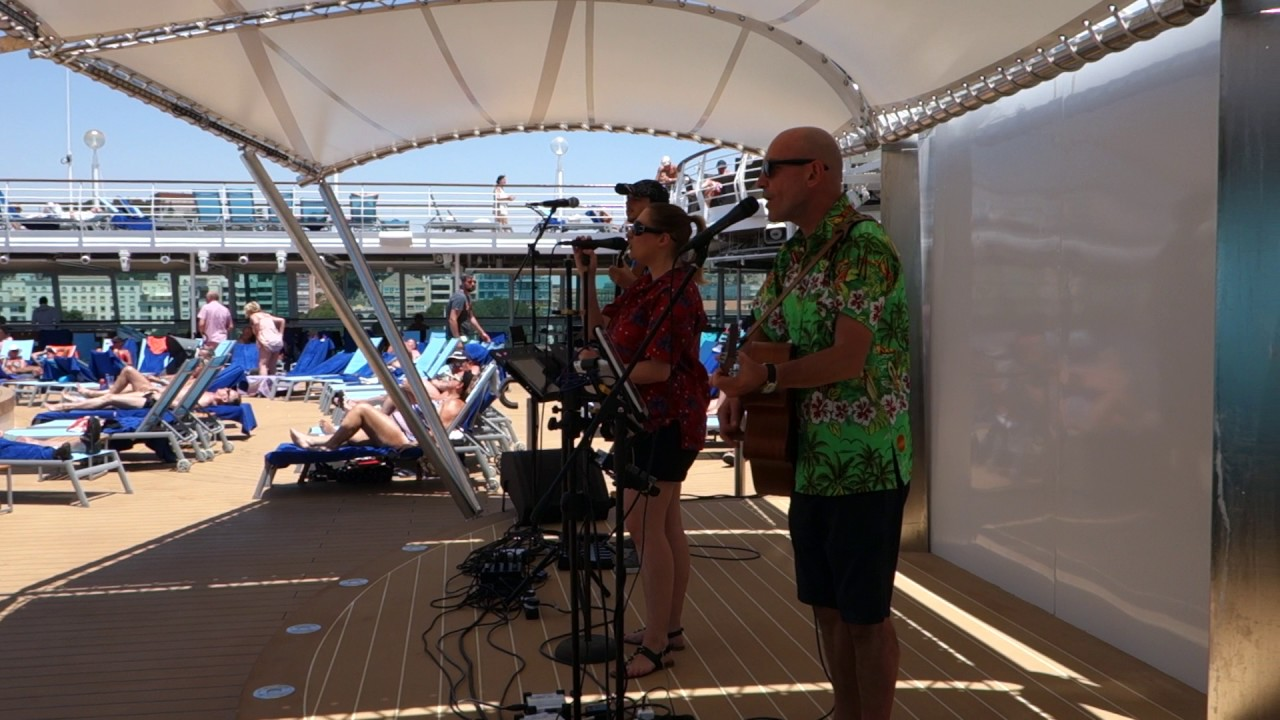 Tui marella discovery 2 pool deck daytime youtube for Pool show discovery