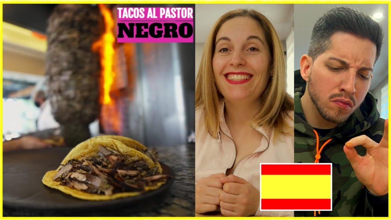 ¡PROBAMOS LOS TACOS AL PASTOR NEGRO! 🌮🖤 | ESPAÑOLES REACCIONAN a TACOS MEXICANOS