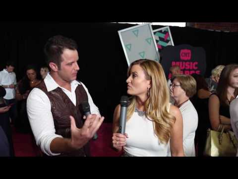 Carrie Underwood Pranked Easton Corbin on the Storyteller Tour