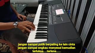 Download Mp3 Dangdut Mawar Putih..cover Korg Pa600.karaoke