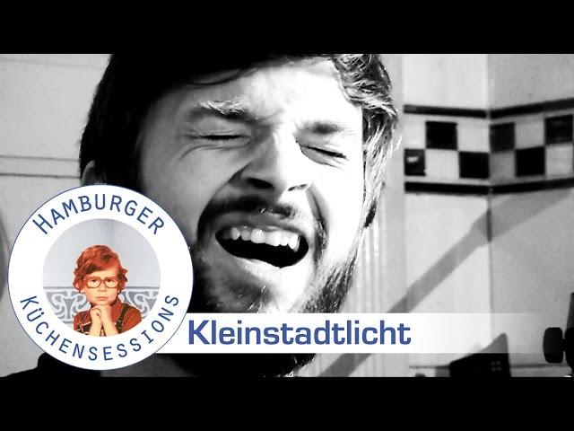 Kleinstadtlicht 'In Deinem Bett (kurz vor 2)' live @ Hamburger Küchensessions.de