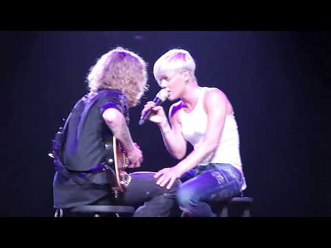 Pink - Babe I'm Gonna Leave You  (Led Zeppelin cover) - Houston,TX 09-24-09