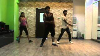 The Fitness Fiesta - Zumba (R) with Sanntosh - Tamil song Hey Rama-Rama from the movie Villu