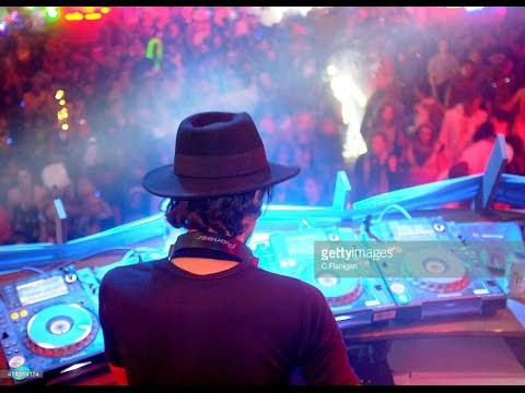 DANNY HOWELLS (live) @ Bedrock Resurrection, HEAVEN, London 04-05-2015