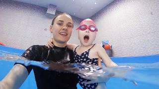 Грудничковое плавание в Новороссийске   Умею Плавать #07
