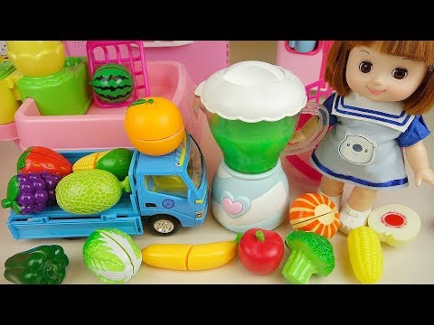 Baby doll and fruit juice making jelly cooking play