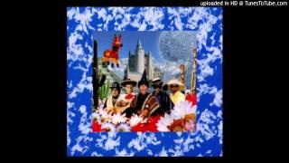 Luis & The Wildfires - Aqui- en Mi Nube (Get Off My Cloud)