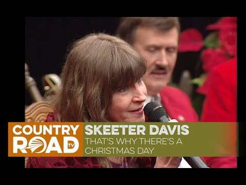 "Skeeter Davis sings ""That's Why There's a Christmas Day"" on Country's Family Reunion"