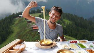 Gambar cover Mıhlama yemek için 2300 metre yüksekliğe çıktım! (EFSANE KARADENİZ KAHVALTISI)