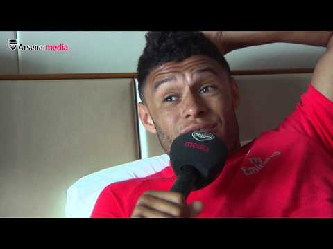 Alex Oxlade-Chamberlain - 'Rambo or Debuchy could take on Mayweather'