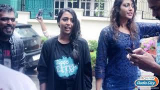 Hitha & Kiran Srinivas Singing Dancing on Street for Musical Cleanathon Radio City