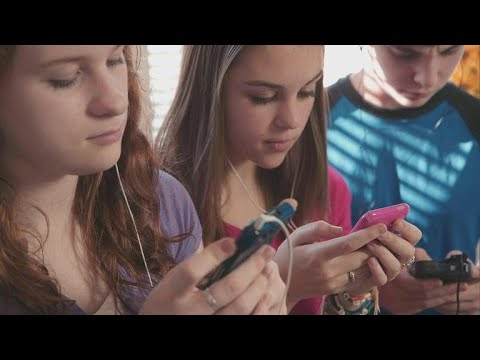 How social media makes adolescence even harder