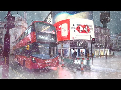 LONDON SNOW WALK ☃️ Snowing in the West End