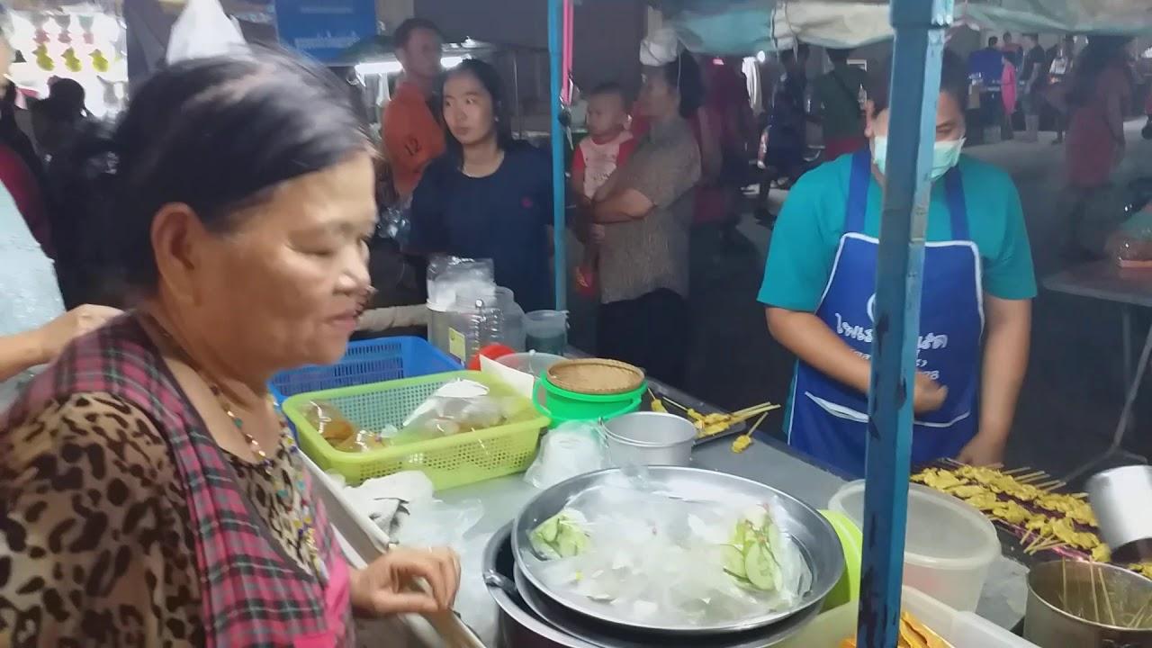 Street food /หมู่สะเต๊ะ เจ้าเก่าแก่ที่สุดใน อ.ครบุรี ขายมา50ปี เป็นรุ่นที่ 4