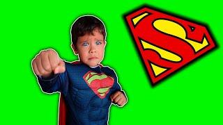 Rafael ganhou uma Fantasia do SUPER-HOMEM | Superman costume