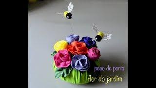 Peso de porta com rosas e abelhas